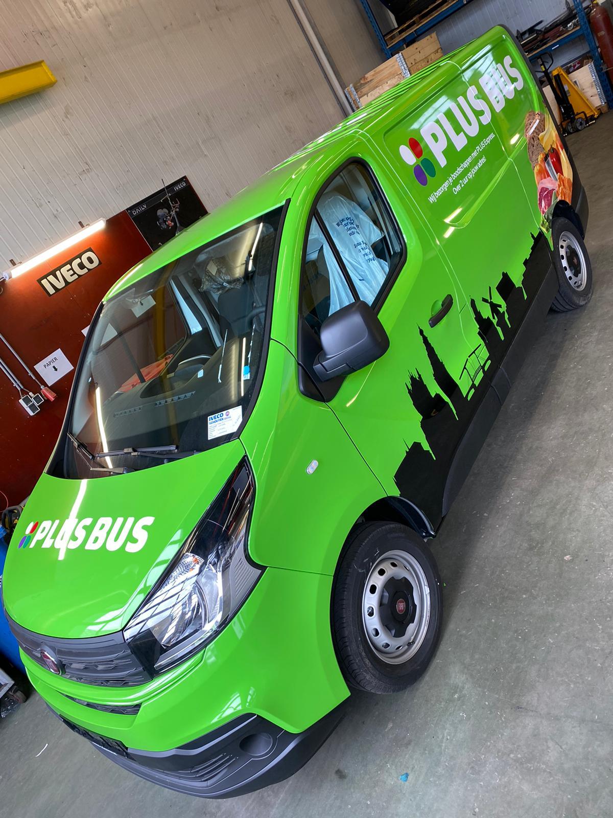 Bus wrap voor Plus supermarkt
